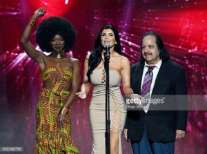 Ana Foxxx sharing the stage with Ron Jeremy (BOTH were edited from the 2017 Showtime AVN awards show)